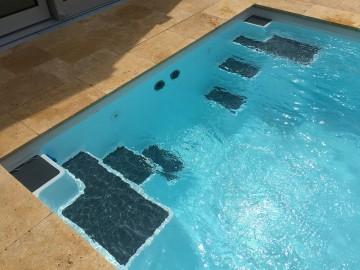 zwembad dove